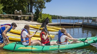 LakePinehurst_kayaking_mast