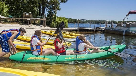 Enjoy kayaking or stand up paddle boarding on Lake Pinehurst.