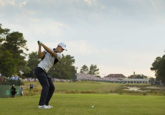Martin Kaymer hits his tee shot on the 18th hole during the final round of the 2014 U.S. Open at Pinehurst Resort & C.C. in Village of Pinehurst, N.C. on Sunday, June 15, 2014. (Copyright USGA/Michael Cohen)
